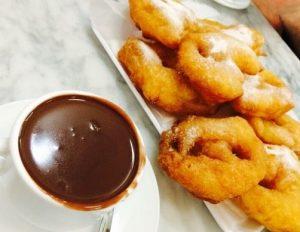 chocolate-con-buñuelos_guidersvalencia